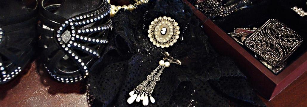 Vintage Black Accessories